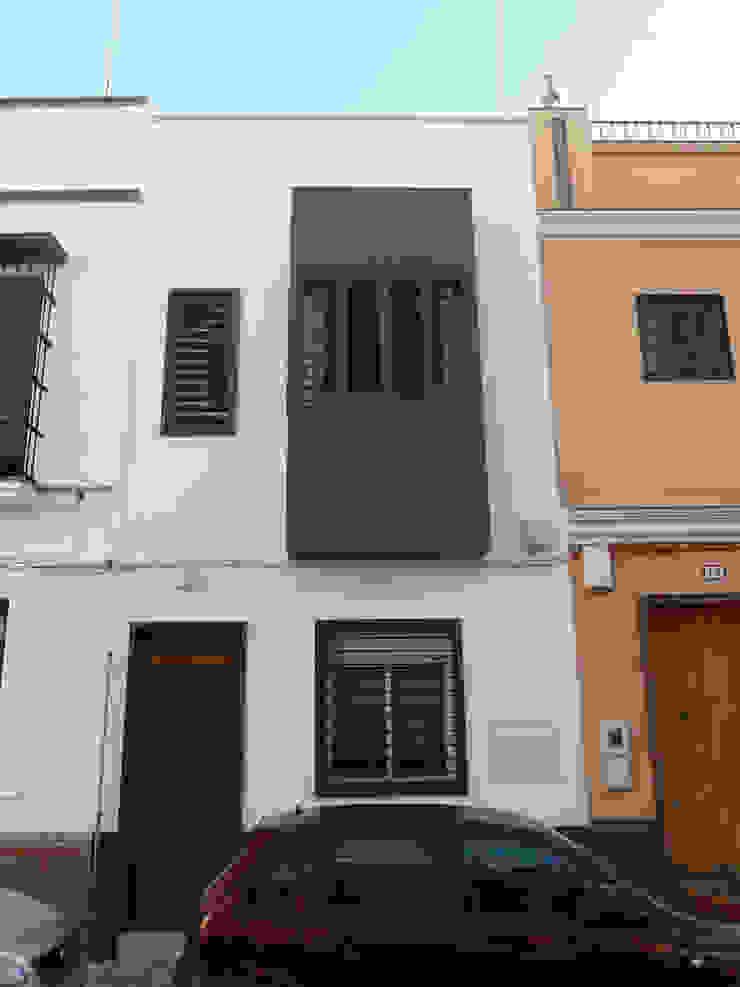 Vivienda Unifamiliar en Triana. Sevilla Casas de estilo moderno de Angar Arquitectos Moderno
