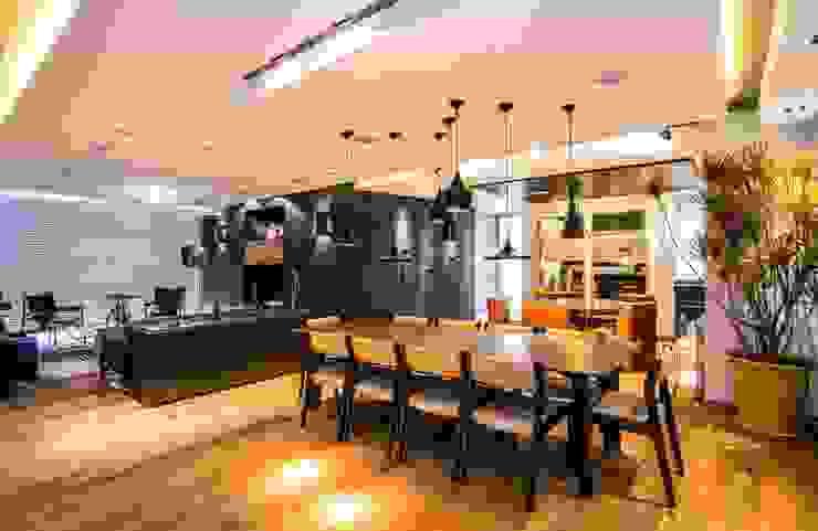 Dining room by Sobrado + Ugalde Arquitectos, Eclectic