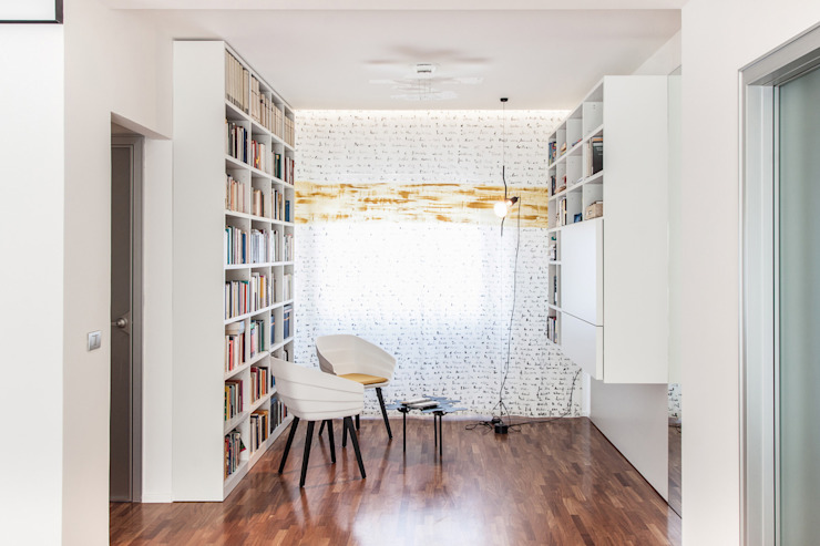 Biblioteca Soggiorno moderno di Tramas Moderno