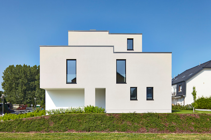 Modern Houses by Bruck + Weckerle Architekten Modern