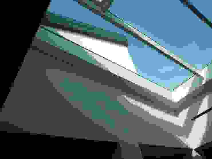 House A+S interior Case in stile minimalista di Franzoni Studio Minimalista