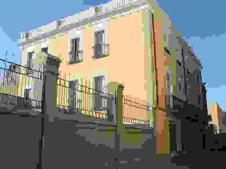 Vista general del edificio Casas de estilo clásico de BARCELONA ARQUITECTURA Clásico