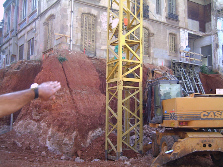 Excavación de sotano de BARCELONA ARQUITECTURA Clásico