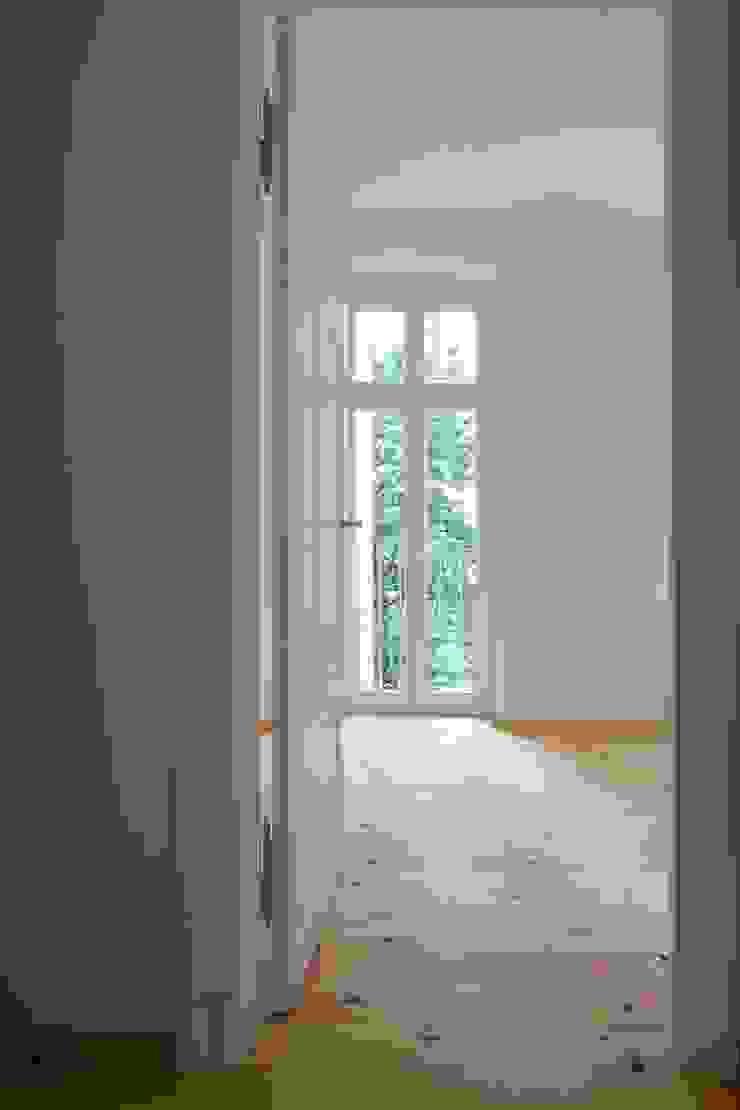 Türen Rustikale Schlafzimmer von Gabriele Riesner Architektin Rustikal