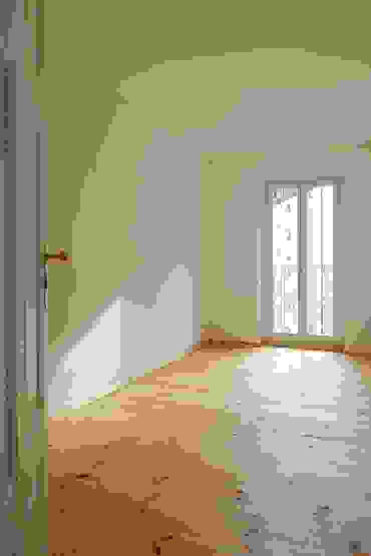 Geländer Rustikale Schlafzimmer von Gabriele Riesner Architektin Rustikal