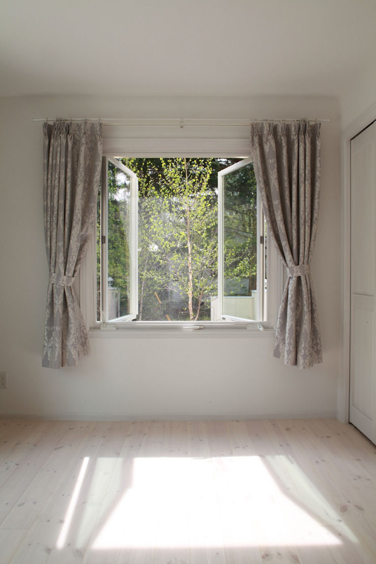 客室 オリジナルスタイルの 寝室 の PAPA COMPANY ARCHITECTURAL WORKS. /パパカンパニー1級建築士事務所 オリジナル