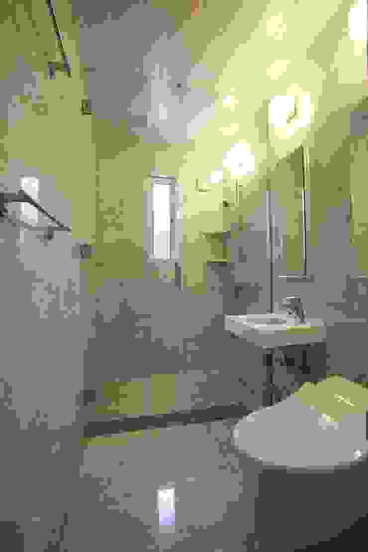 客室用シャワールーム オリジナルスタイルの お風呂 の PAPA COMPANY ARCHITECTURAL WORKS. /パパカンパニー1級建築士事務所 オリジナル