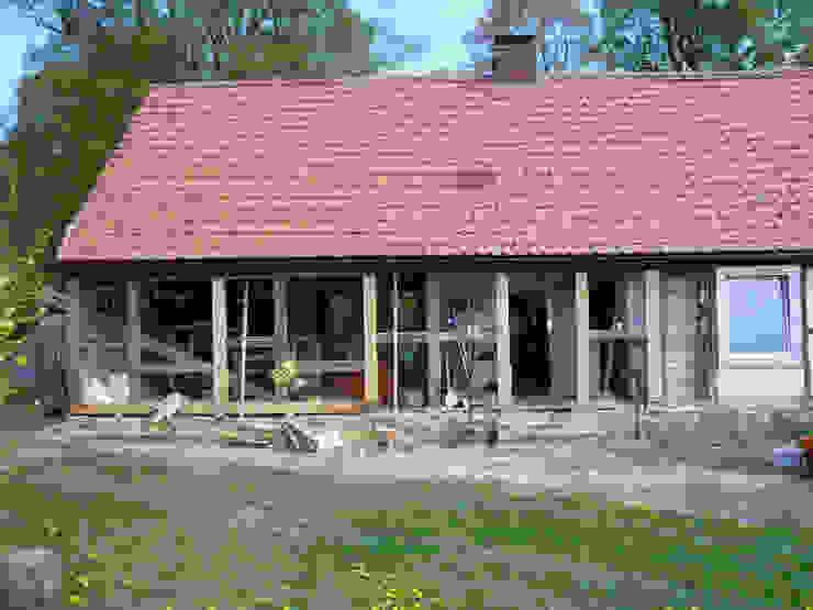 regionale Baumaterialien Rustikale Häuser von Gabriele Riesner Architektin Rustikal