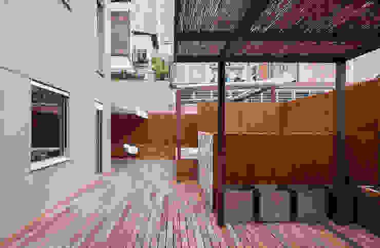 Dúplex en Gracia de ZEST Architecture Moderno
