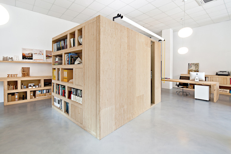 Office Dones del 36 Modern study/office by ZEST Architecture Modern