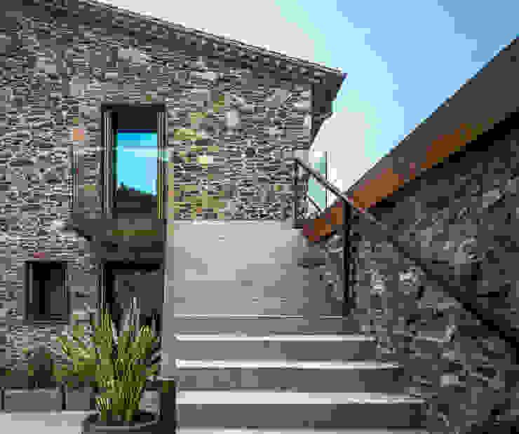 Villa CP من ZEST Architecture ريفي