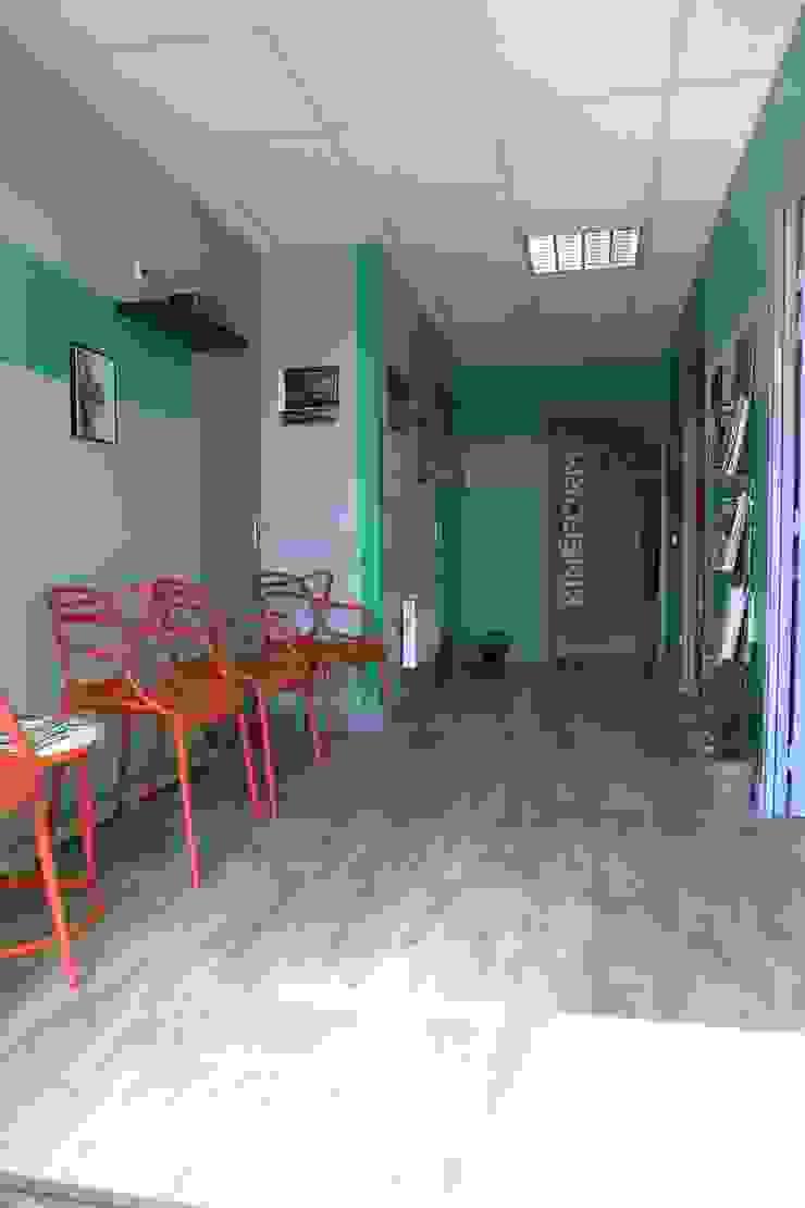 Cabinet d'ostéopathie Espaces de bureaux modernes par Florence Vatelot Décoratrice d'intérieur Moderne