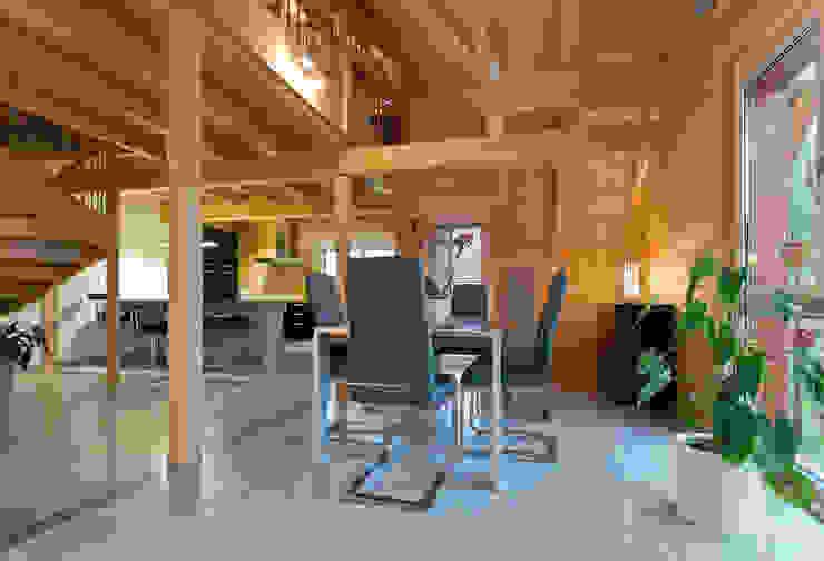 Столовые комнаты в . Автор – BayernBlock - HultaHaus,