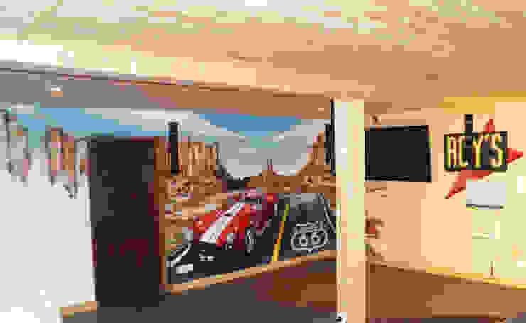 Décoration salon thème route 66 von Popek décoration | homify