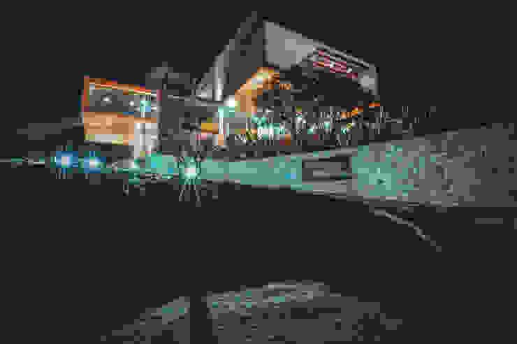 Narigua House Casas modernas por P+0 Arquitectura Moderno