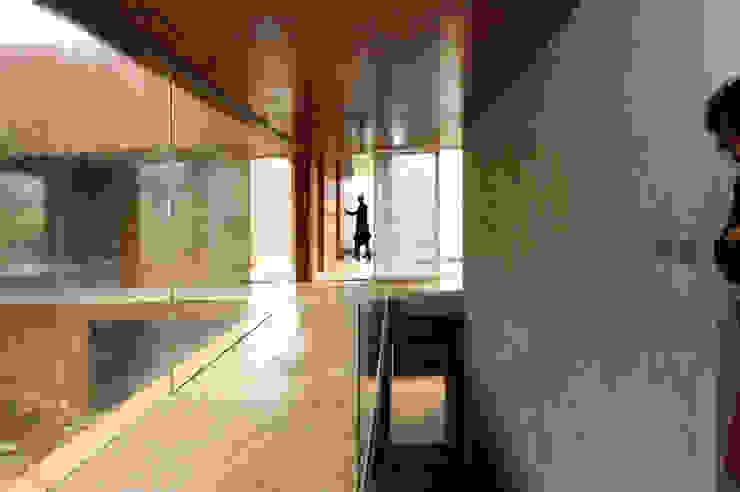 Narigua House Moderner Flur, Diele & Treppenhaus von P+0 Arquitectura Modern