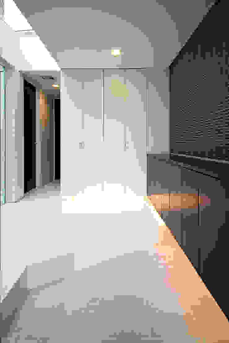 ソラトノツナガリ モダンスタイルの 玄関&廊下&階段 の ON ARCHITECTS / オン・アーキテクツ モダン