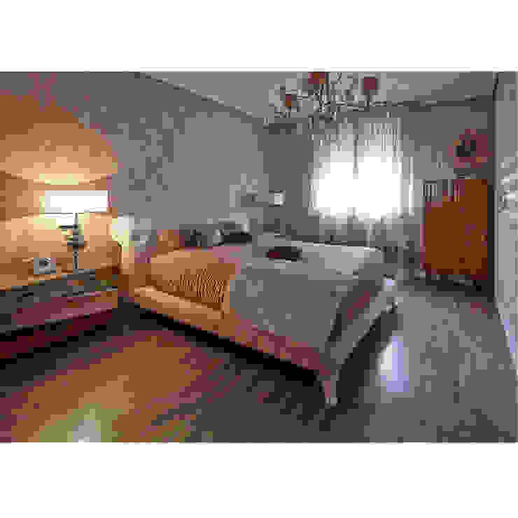 Cama de matrimonio Eva Dormitorios de estilo moderno de Lola Glamour Moderno