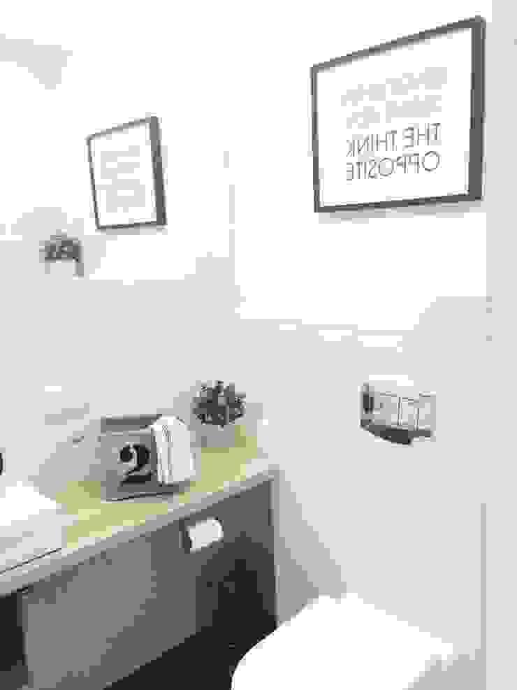 Scandinavische badkamers van White Interior Design Scandinavisch
