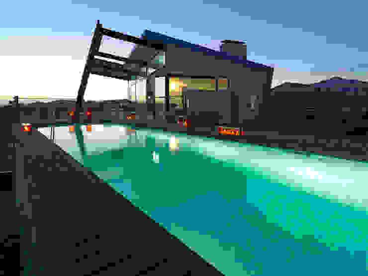 CASA RAMOS Casas de estilo moderno de linobellotArquitecto Moderno