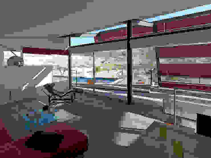 Casas modernas de linobellotArquitecto Moderno