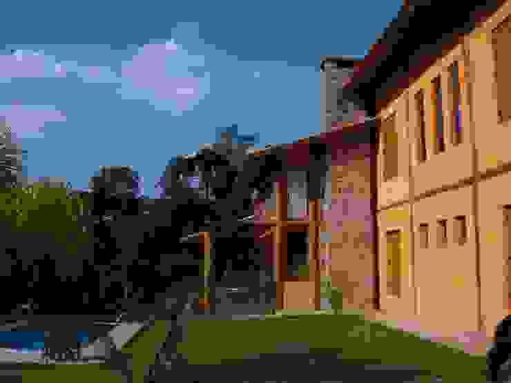 Дома в рустикальном стиле от Bianka Mugnatto Design de Interiores Рустикальный