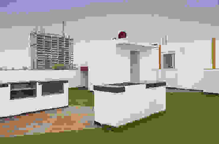 Roof Garden con asadores y baños Casas modernas de RECON Arquitectura Moderno