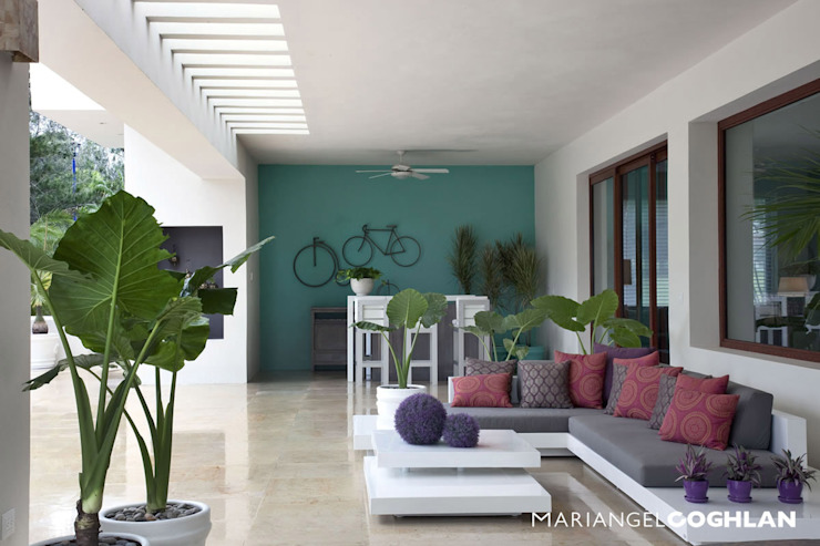 Terraza Balcones y terrazas modernos de MARIANGEL COGHLAN Moderno