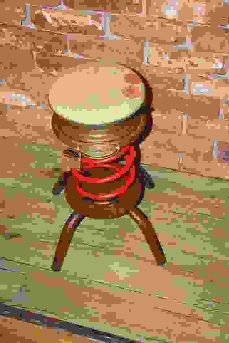 TABURETE MUELLE:  de estilo industrial de muebles radio vintage, Industrial