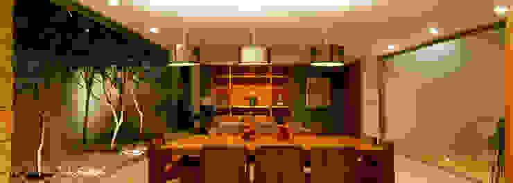 Comedores de estilo moderno de Jorge Bolio Arquitectura Moderno