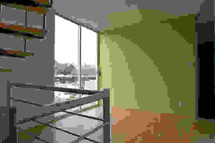 Vista general departamento con balcon Casas modernas de RECON Arquitectura Moderno