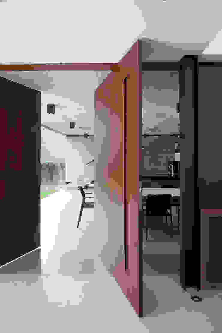 Planalto Portas e janelas modernas por FCstudio Moderno
