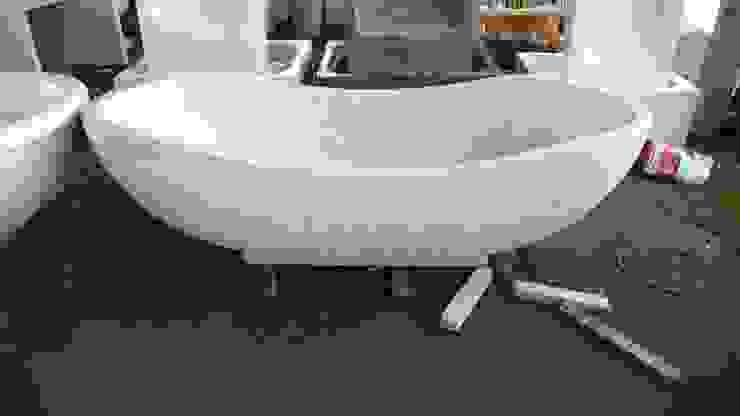 bañera de terrazo:  de estilo tropical de comprar en bali, Tropical Mármol