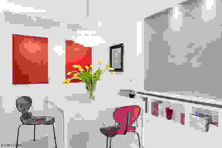 Appartamento a Monteverde Sala da pranzo minimalista di zero6studio - Studio Associato di Architettura Minimalista