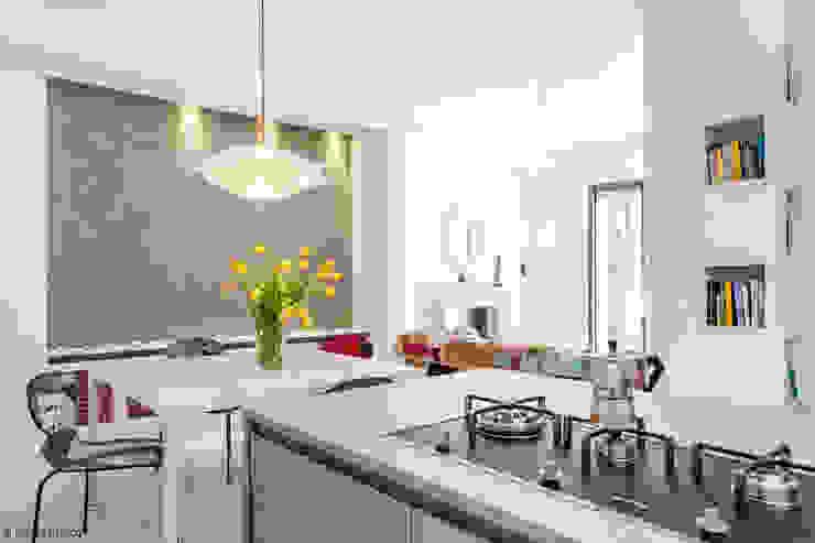 Appartamento a Monteverde Sala da pranzo moderna di zero6studio - Studio Associato di Architettura Moderno