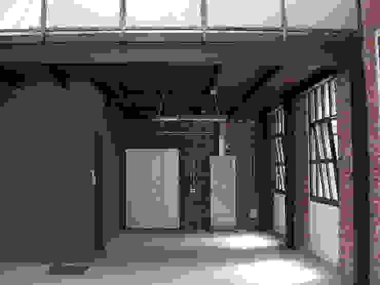 Loft Soggiorno in stile industriale di Arch. Dario Nespoli Industrial