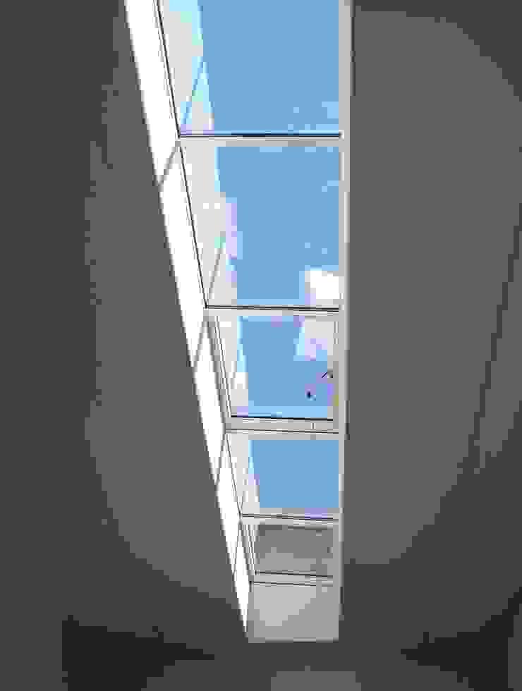 Loft Pareti & Pavimenti in stile industriale di Arch. Dario Nespoli Industrial