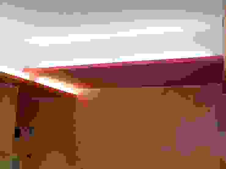 Ristrutturazione interna appartamento di Arch. Dario Nespoli Moderno