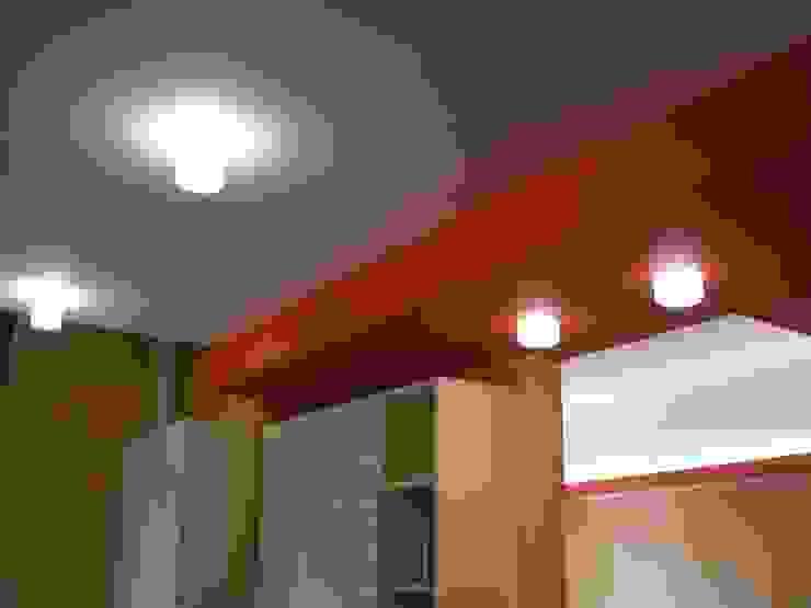 Ristrutturazione interna appartamento Soggiorno moderno di Arch. Dario Nespoli Moderno