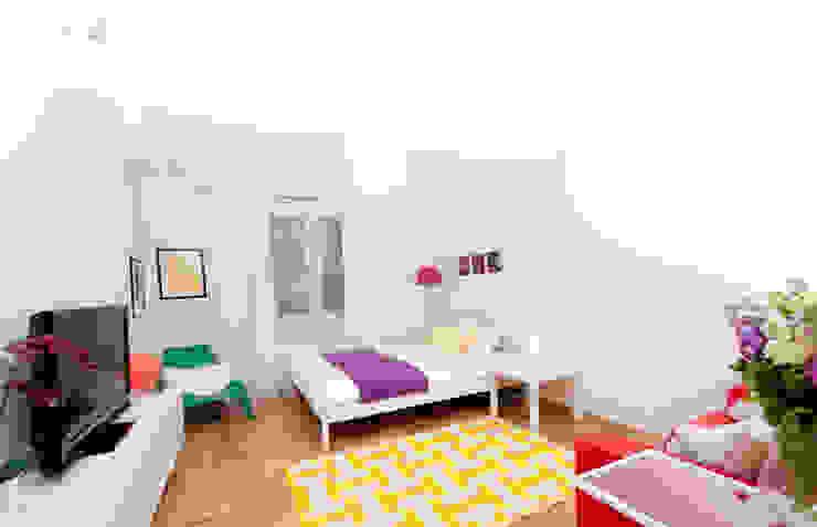 Fresh&Fruity Nowoczesna sypialnia od AgiDesign Nowoczesny