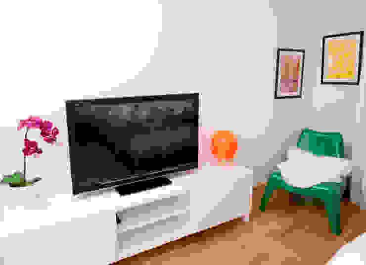 Fresh&Fruity Nowoczesny salon od AgiDesign Nowoczesny