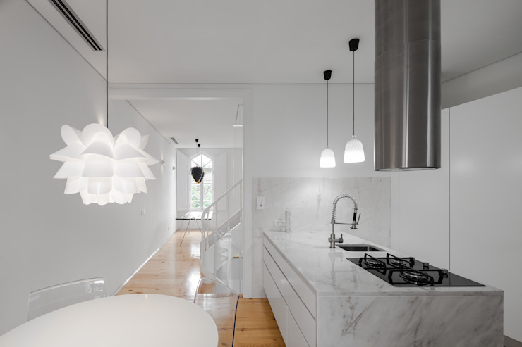 Kitchen by Tiago do Vale Arquitectos