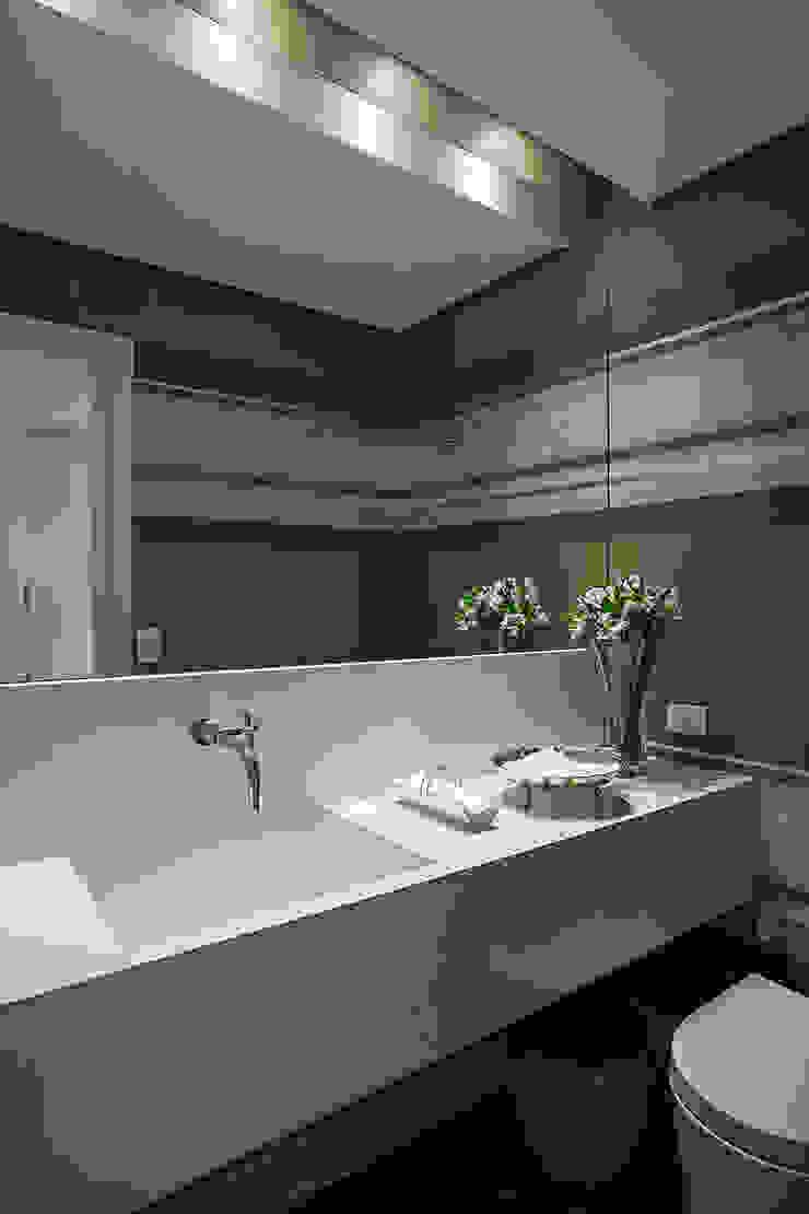 BJG Decorações de Interiores Ltda Classic style bathroom
