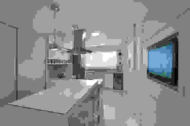 APARTAMETO - TAMARA RODRIGUEZ ARQUITETURA Cozinhas modernas por Tamara Rodriguez Aquitetura Moderno