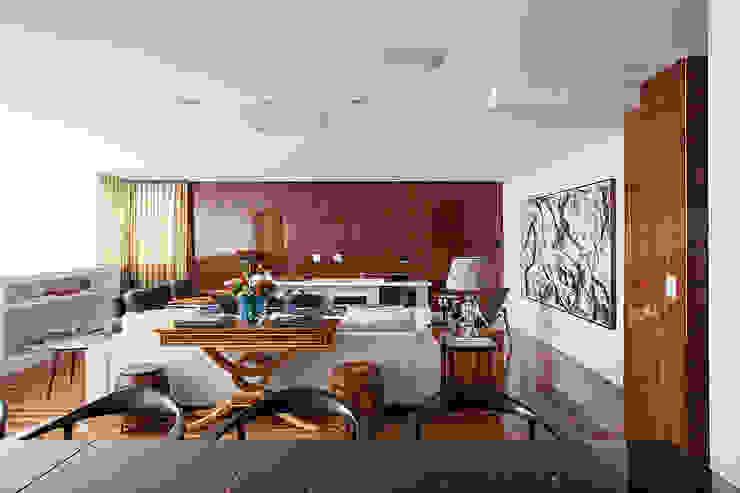 Projeto Salas de estar clássicas por BJG Decorações de Interiores Ltda Clássico