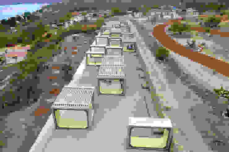 Arena Teques Jardines modernos de AT103 Moderno