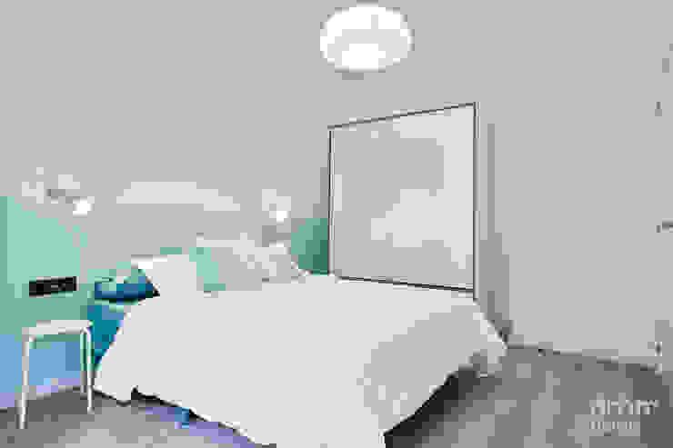 Dormitorio azul de Dröm Living Escandinavo