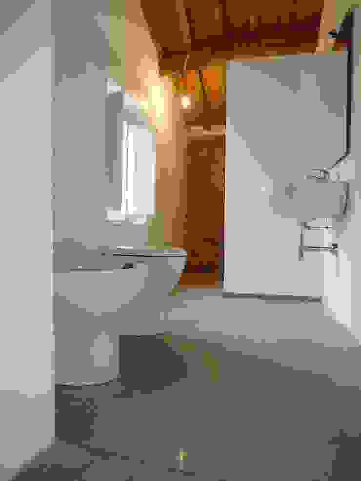 Appartamento in centro storico di è design. EDILIZIA&PROGETTAZIONE Studio Geom. Giovanni Belei Rustico