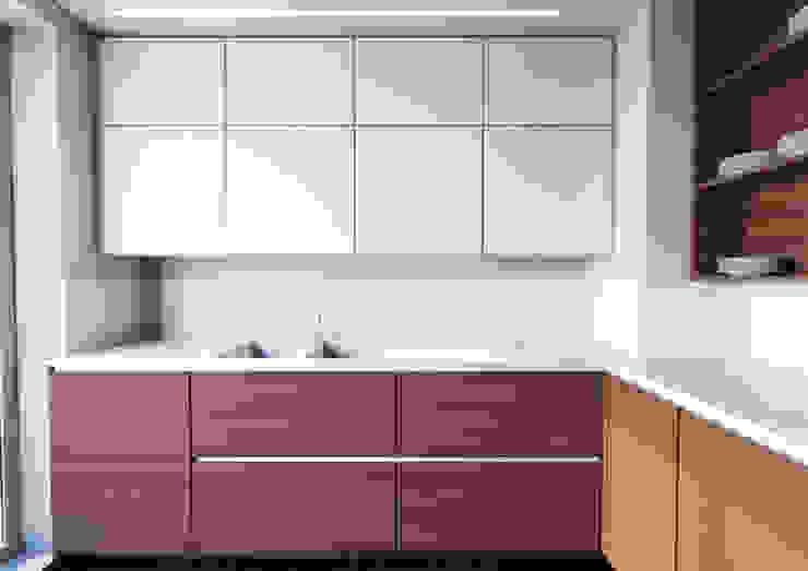 現代房屋設計點子、靈感 & 圖片 根據 Architetto ANTONIO ZARDONI 現代風