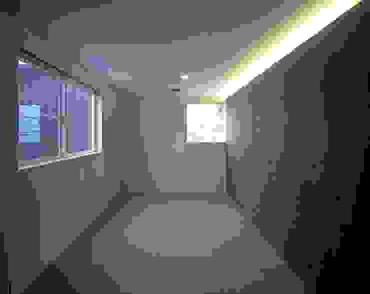 ソラトノツナガリ モダンスタイルの寝室 の ON ARCHITECTS / オン・アーキテクツ モダン